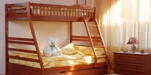"""Ліжко двоярусне """"Юлія"""" - меблі з дерева в дитячу та спальню від фабрики Venger"""