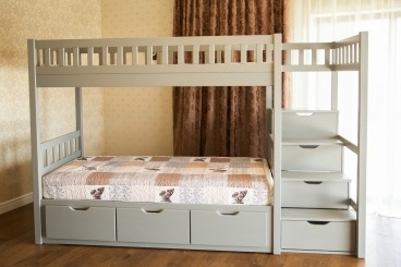 """Ліжко двоярусне зі сходами """"Володимир"""" - меблі з дерева в дитячу та спальню від фабрики Venger"""